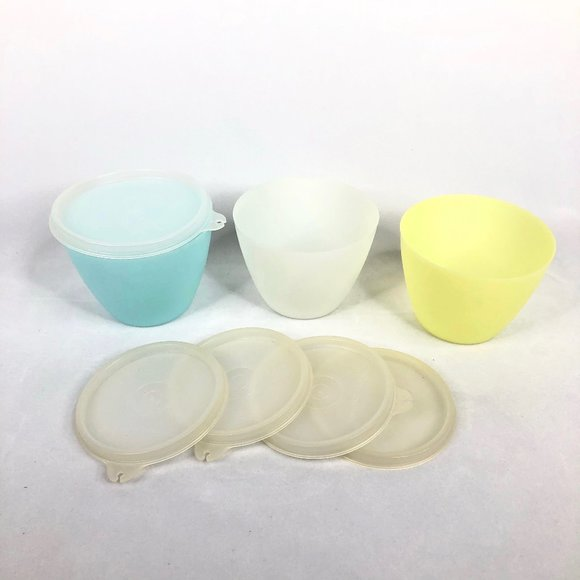 Lot of Vintage Tupperware Freezer Containers & Lid